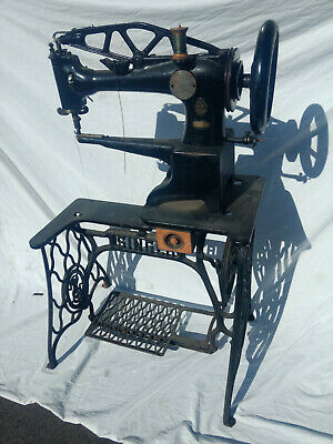 Singer Sewing Machine 29-4 Leather