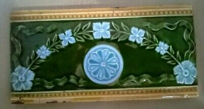 Victorian Majolica Arts And Craft's Tile  .