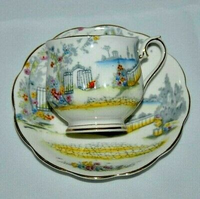 "Beautiful Vintage Royal Albert ""Rosedale"" Bone China Teacup & Saucer"