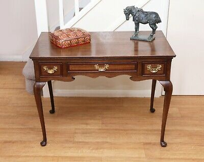 Beautiful Antique 18th century oak Lowboy, hall table, side table