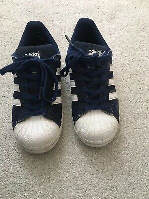 Kids Adidas Boys/ Girls Navy trainers size UK 3 lace up shoes blue superstars.