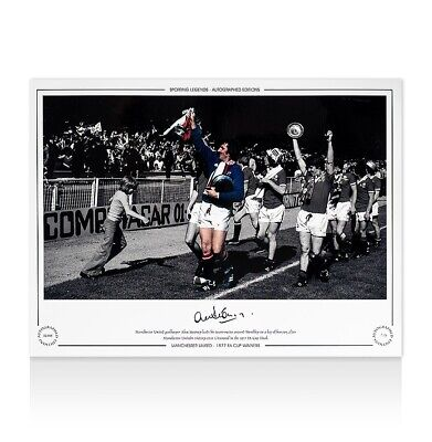 Alex Stepney Signed Manchester United Photo - 1977 FA Cup Winners Autograph