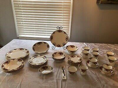 Royal Albert Old Country Roses Bone China 46 Pc Set Made In England 1962