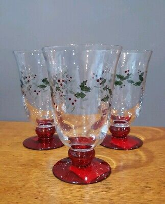 Pfaltzgraff Christmas Winterberry Set of 3 Etched Water Goblets