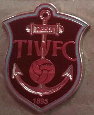 Thames Iron Works - West Ham United F.C 1895 Badge (Claret) Free Postage UK