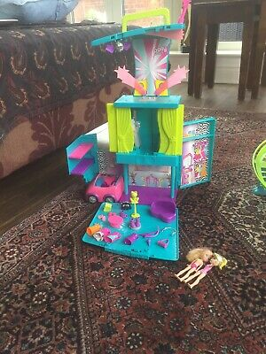 Polly Pocket Cassette Player + Extra Accessories + 2 Dolls