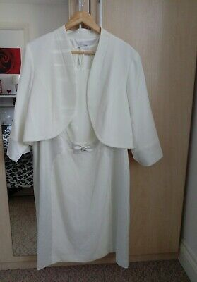 mother Of Bride Out Size 24