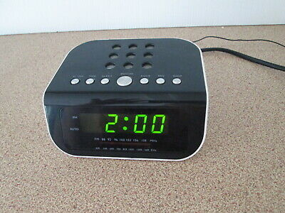 Tevion Clock Radio AM FM Alarm Snooze Green Display
