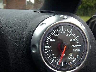 Audi TT Mk1 3 Bar Boost Gauge Mounted in a Mk1 TT Air Vent with Full Fitting Kit