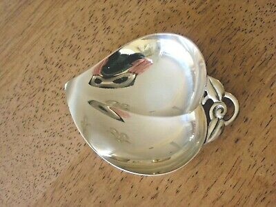 TIFFANY & CO STERLING Footed Small LEAF DISH/BOWL 3-1/4 x 2-1/2 with BAG  NICE!