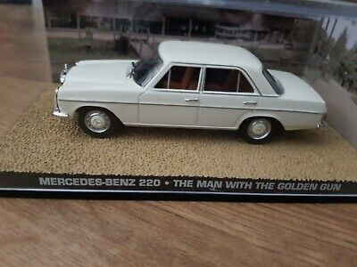 JAMES BOND DY078 1//43 MERCEDES 220S WITH SKIS ON HER MAJESTYS SECRET SERVICE