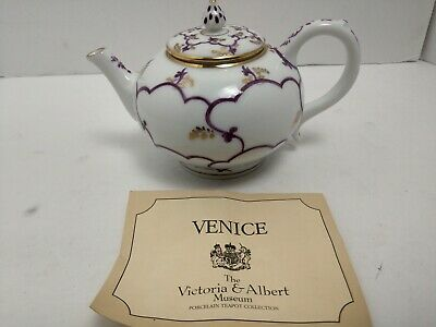 Venice Miniature Tea Pot Victoria & Albert Museum 1985 Franklin Mint Porcelain