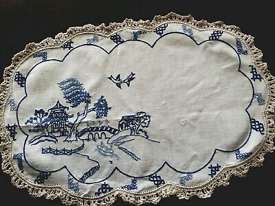 Large Beautiful Embroidered vintage Doily. Blue Willow. Crochet edges. linen.