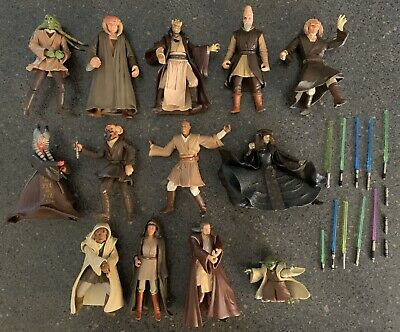 Star Wars Jedi Master Collection. 13 Figures 13 Weapons