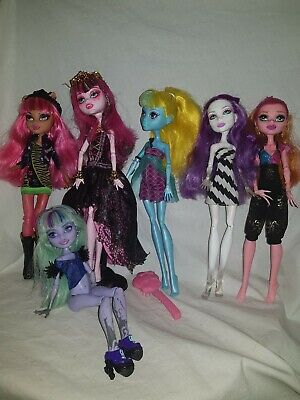 Monster High 13 Wishes Howleen Lagoona Draculaura Gigi Spectra +Twyla  Dolls Set