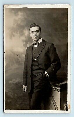 STUNNING VICTORIAN PORTRAIT OF HANDSOME MAN w INTRICATE BOW TIE - VTG PHOTO RPPC