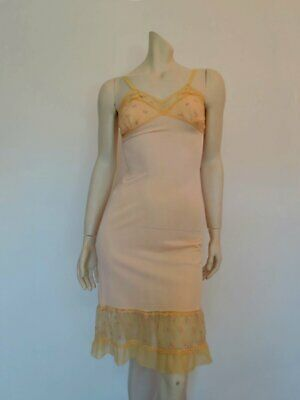 Peach Slip With Embroidered Bust and Ruffle - 1950s - Bust 76 cm