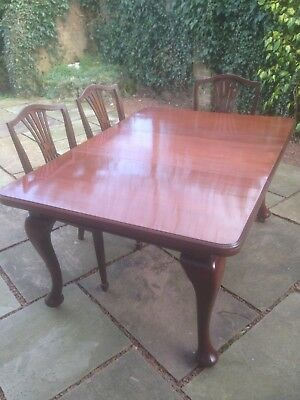 Antique victorian mahogany windout extending dining table with 1 extra leaf