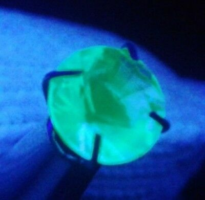 Nice 0.6 ct faceted gem hyalite opal! 100% natural, fluorescent green, #29