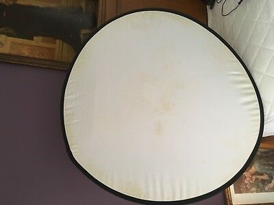 Lastolite, 95cm collapsible circular reflector, white in good condition