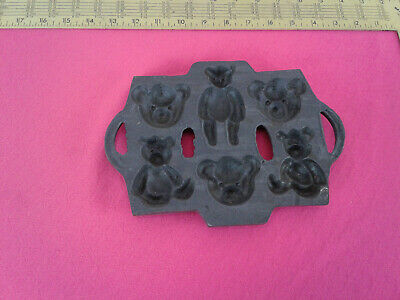 Cast Iron Teddy Bear Pan Mold Cookies Corn Bread Candy Gingerbread