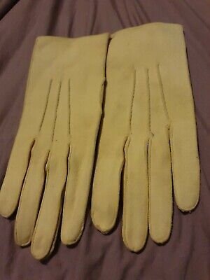 Vintage ladies Dents Chamois Leather Gloves, Unworn Creamy Yellow