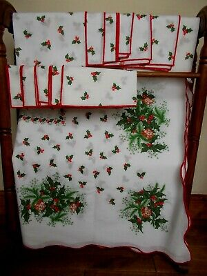 Traditional Style Christmas Tablecloth & 12 Napkins~With Holly And Baubles