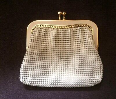 Genuine Vintage Glomesh Cream And Gold Coin Purse Excellent Condition