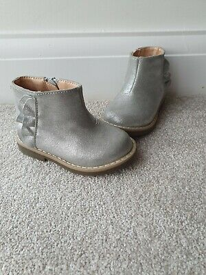 Mothercare Girls Infant 4 Silver Chelsea Boots BNWOT