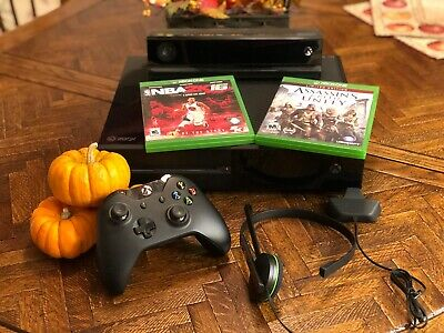 Microsoft Xbox One 500GB Console with Kinect and 3 Games