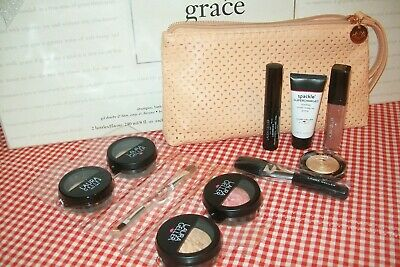 laura geller 10 piece travel set in medium with tropic hues blush & gilded honey
