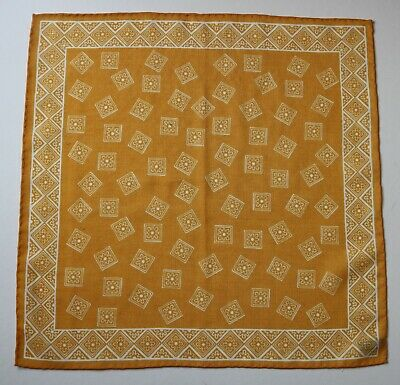 Wool & silk Pocket Square. Golden yellow. New defect