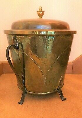 Arts and Crafts period brass and copper lidded coal pail (ref 19.4.031)