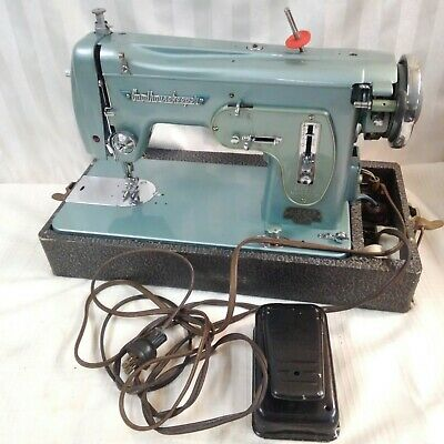 Vintage Goodhousekeeper Deluxe ZigZag Sewing Machine GM Delco