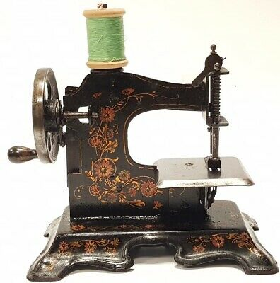 antigua maquina de coser MULLER nº2  Antique Child's Metal Toy Sewing Machine