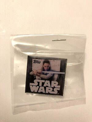 NYCC 2017 Topps Star Wars Rey pin - Comic Con with bonus card (see listing)
