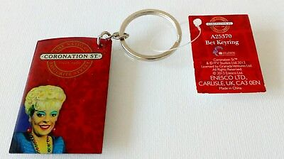 CORONATION STREET BET LYNCH NOVELTY KEYRING BRAND NEW.