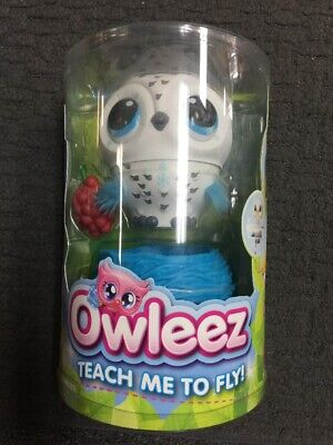 OWLEEZ Interactive Flying Baby Owl Lights Sounds Rechargeable Nest WHITE