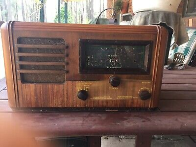 Antique/ Vintage HMV Radio