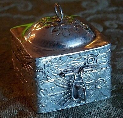Vintage Eastern Snuff Trinket Box Coin Silver Embossed Hinged 45 G Hand Made