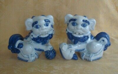 Pair of Blue & White Asian Chinese Porcelain Hand Painted Lion Foo Dog Statues