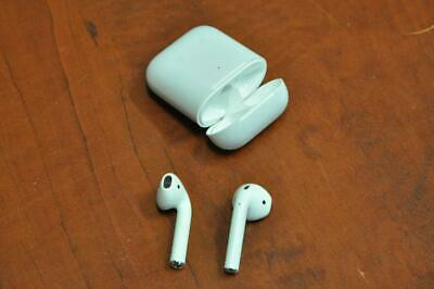 APPLE AIRPODS (2nd GENERATION) BLUETOOTH EARPHONES WITH WIRELESS CHARGING CASE