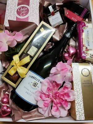 Sweet Treats for Her GIFT HAMPER OZ WIDE Delivery - $25 WE ALSO SEND OS