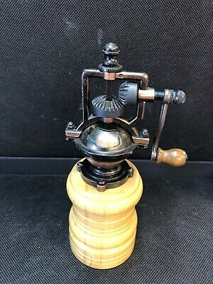 Vintage Hand Crank Spice Mill Coffee Grinder Cast Iron/Wood Excellent Condition