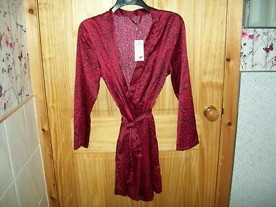 ***Look*** New Red Print Dressing Gown/Robe  Size 14  ***