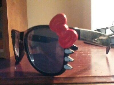 Hello Kitty Adult Black Sunglasses Pink Red or White Bow Qty& Shipping Discounts