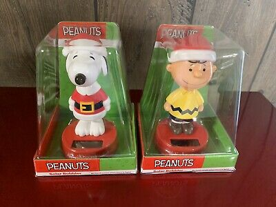 Peanuts Christmas Snoopy w// Blue Santa Suit Solar Bobble Head 4 1//4 in.New 2018