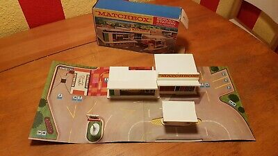 Matchbox MG-1 Service Station BP with forecourt in OVP 1970
