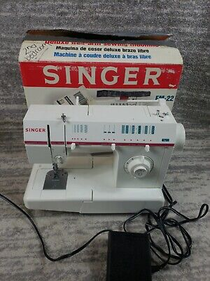 Singer Fashion Mate Sewing Machine With Box Model FM 22