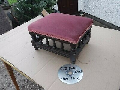 Small Vintage Foot Stool.  Free  Delivery.
